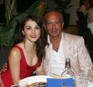 Сати Казанова рассталась с миллионером