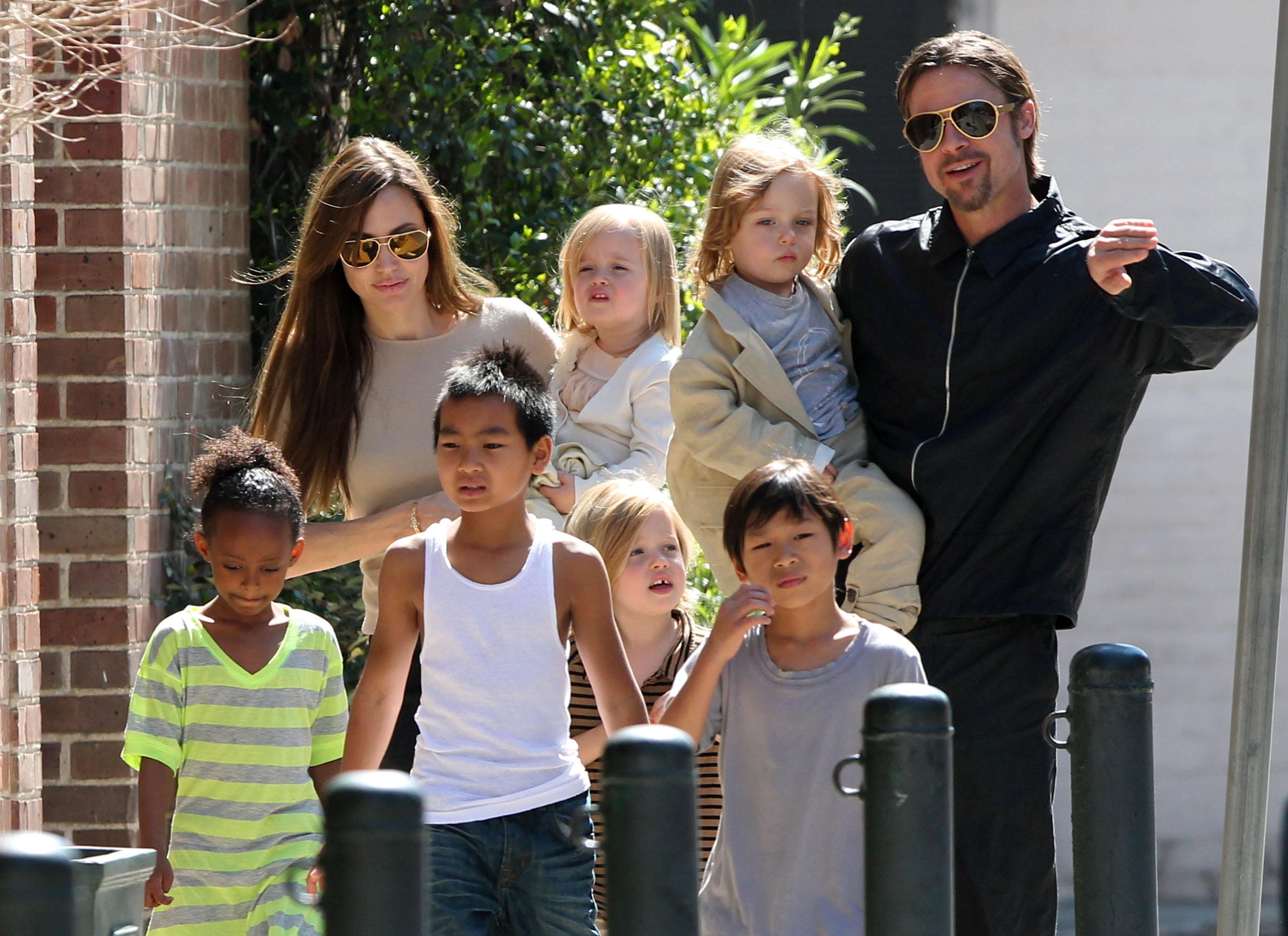 Анджелина Джоли и Брэд Питт: дети против развода!