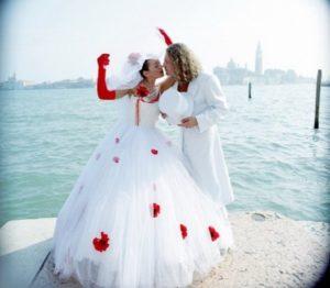 anzhelika-varum-svadebnoe-plate