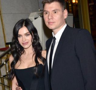 Елена Темникова впервые вывела мужа в свет
