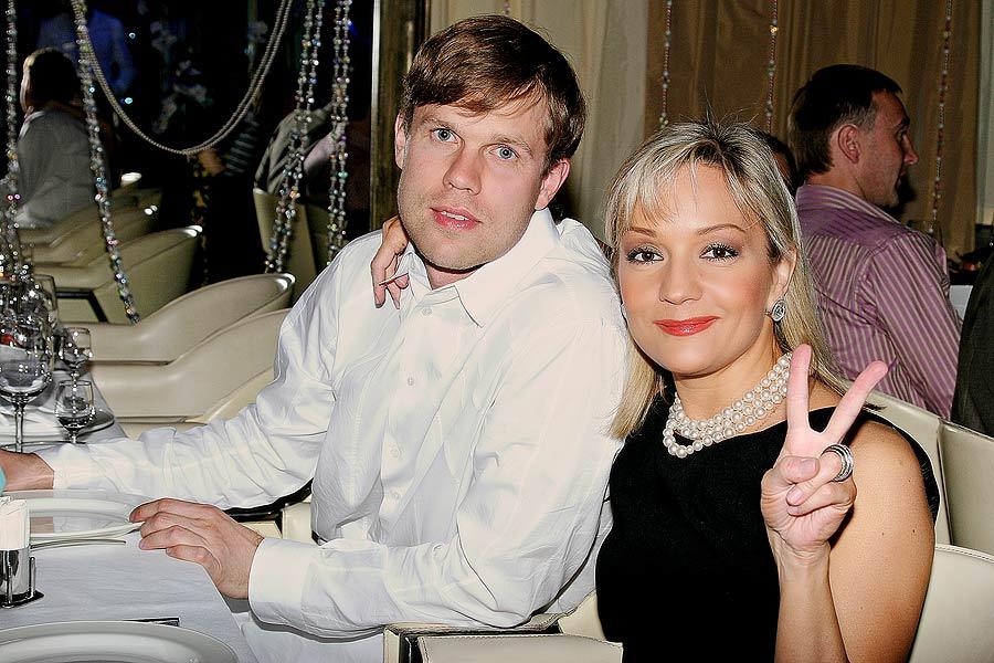 Татьяна Буланова и Владислав Радимов официально оформили развод