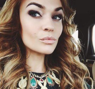 Алена Водонаева сделала операцию по уменьшению груди