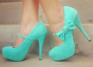 Лучшие идеи дизайнеров: туфли с оригинальными украшениями