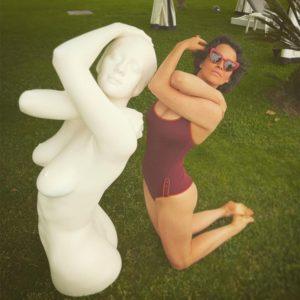 Сексуальная Даша Астафьева похвасталась фигурой в купальнике