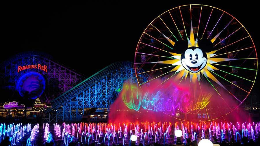 """В парках развлечений Disney в США откроются посвященные """"Звездным войнам"""" павильоны"""