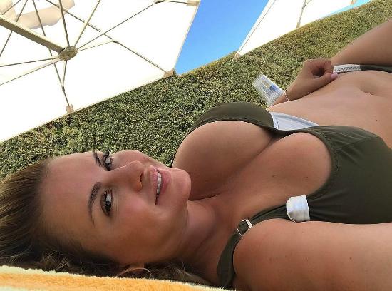 Роскошный бюст Анны Семенович потряс Инстаграм