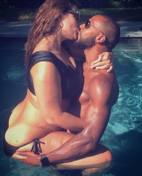 Модель plus-size Эшли Грэм показала откровенное фото с мужем