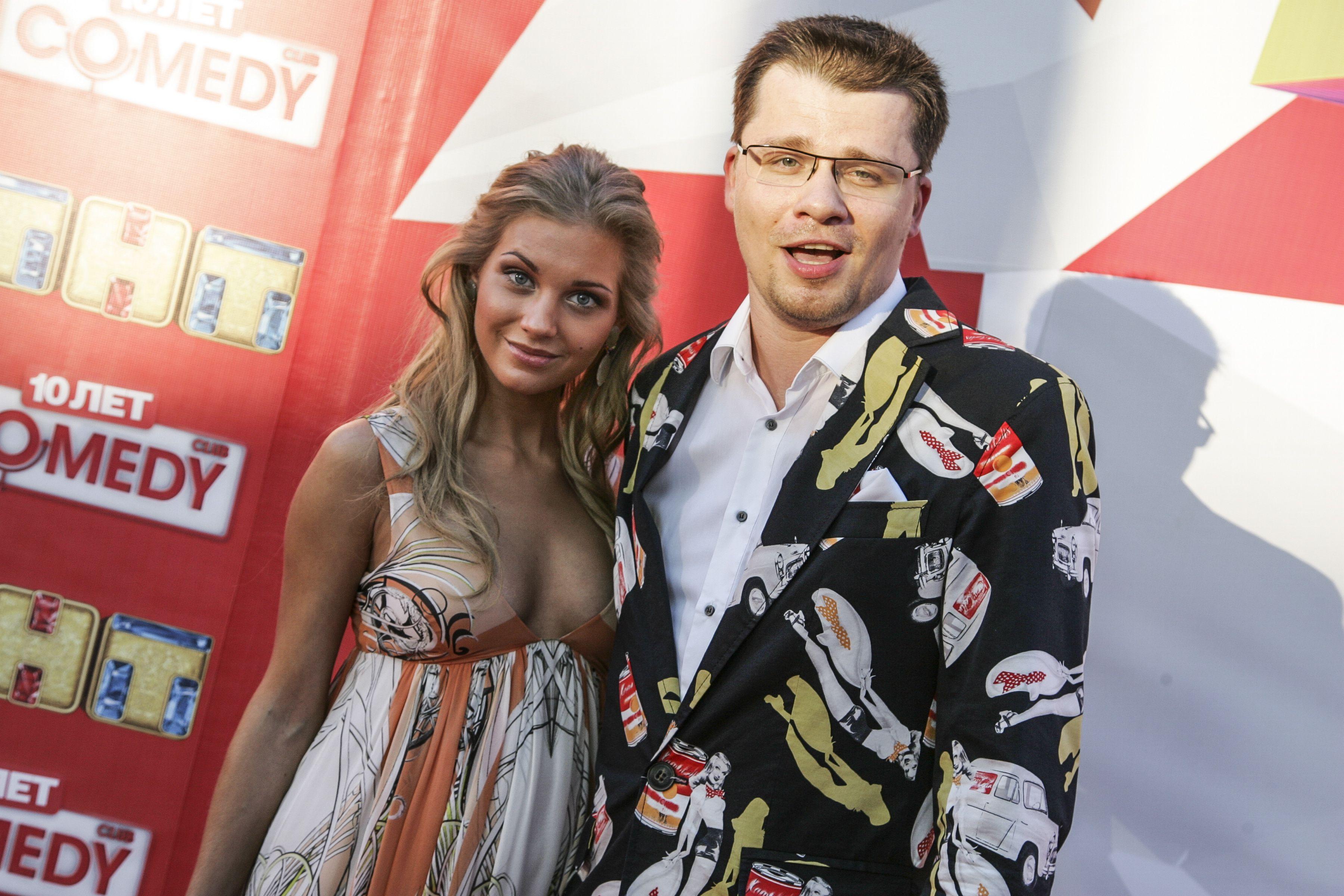 Кристина Асмус и Гарик Харламов сняли поцелуй на видео