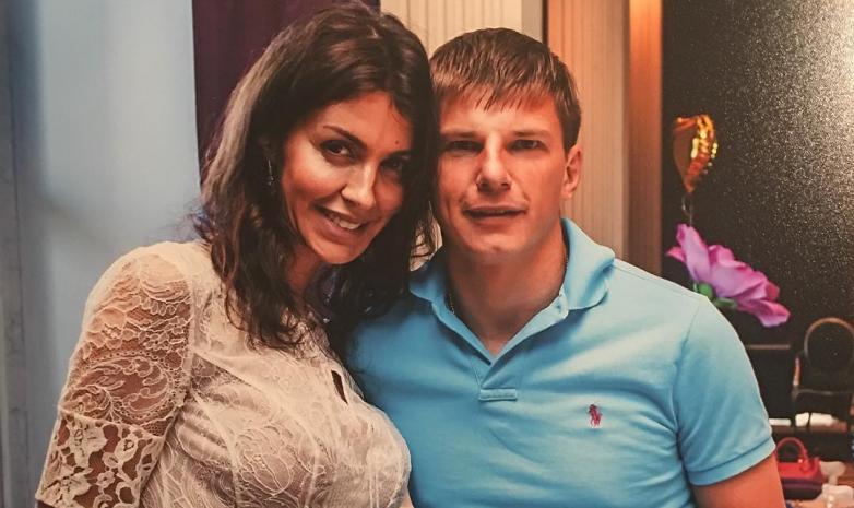 Андрей Аршавин с женой и детьми отправился на Мальдивы