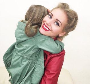 «Вся в маму»: Кристина Асмус показала, как выросли волосы дочери