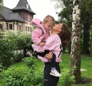 «Будет певицей»: Елена Темникова похвасталась талантом дочери