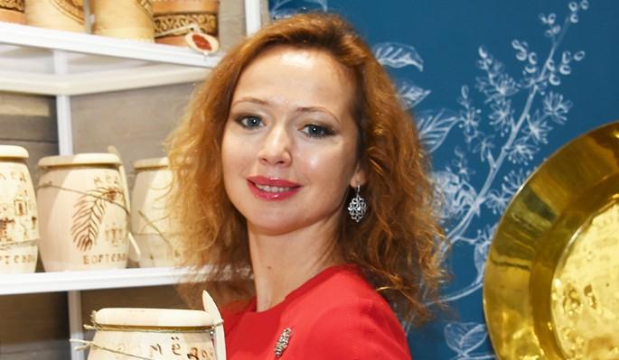 Елена Захарова подтвердила беременность