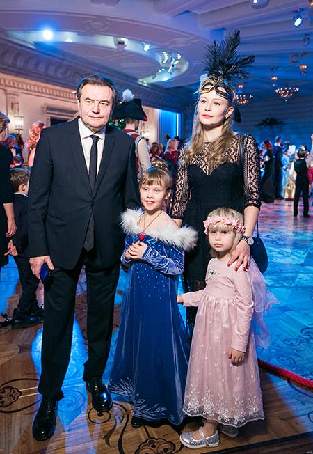 Юлия Пересильд и Алексей Учитель показали дочерей