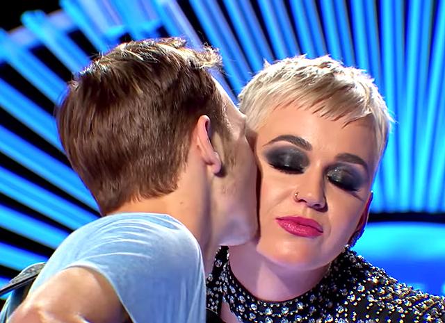 Запретный поцелуй: Кэти Перри обвиняют в сексуальных домогательствах