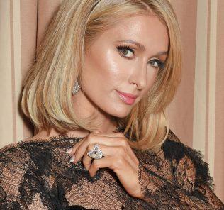Пэрис Хилтон потеряла обручальное кольцо за 2 млн долларов