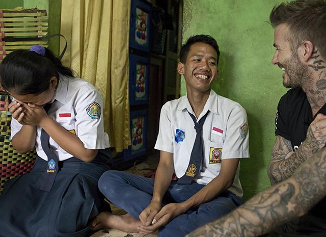 Дэвид Бекхэм на один день отдал свой Instagram 15-летней индонезийской школьнице
