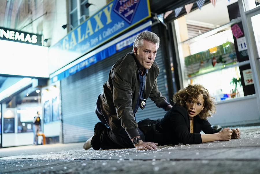 Объявлена дата выхода третьего сезона «Оттенков синего»