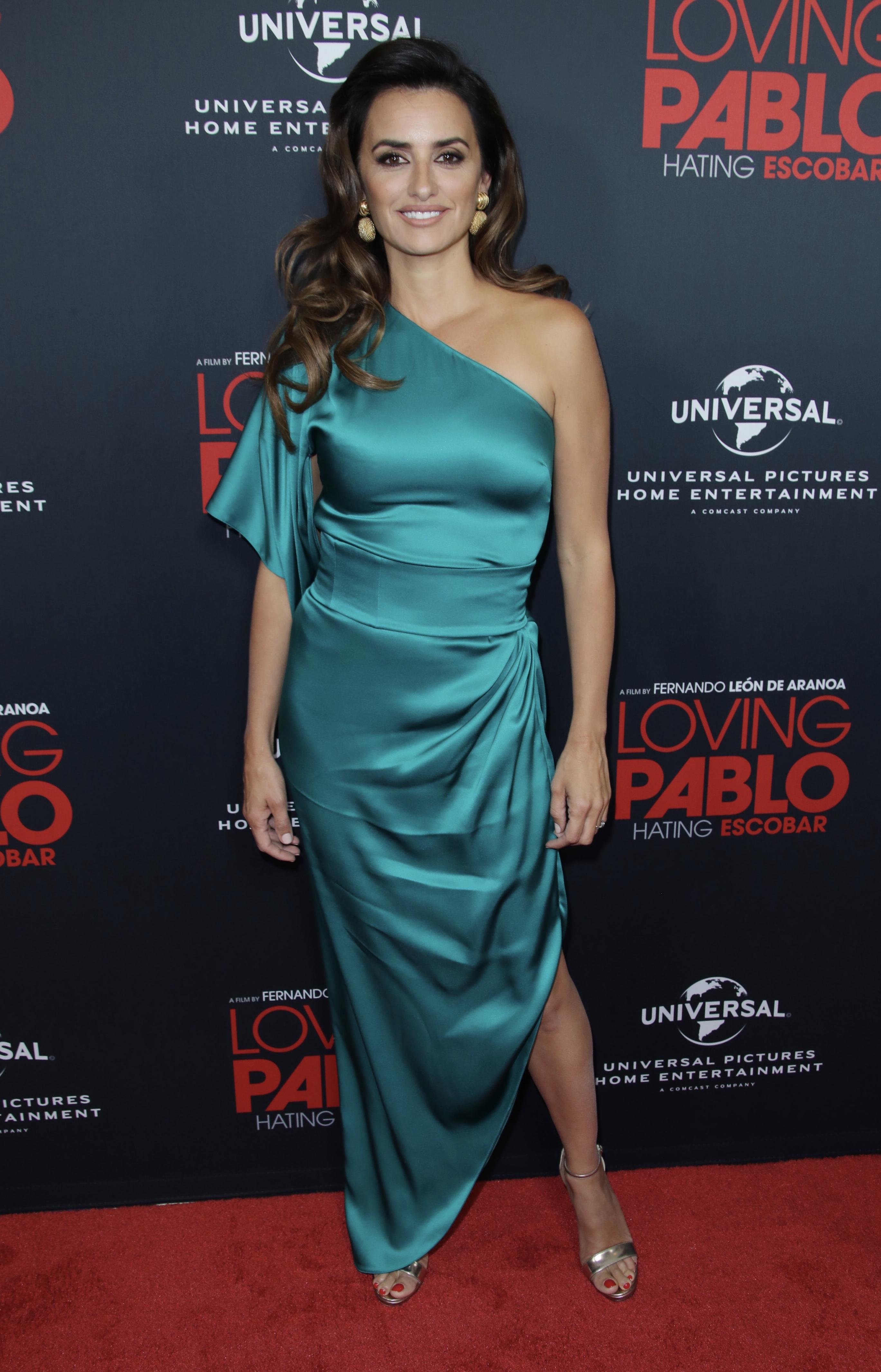 Пенелопа Крус затмила всех на кинопоказе в платье Ralph & Russo