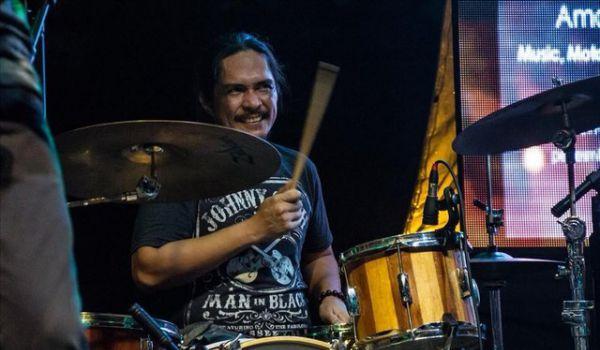 Барабанщик рок-группы Razorback совершил самоубийство