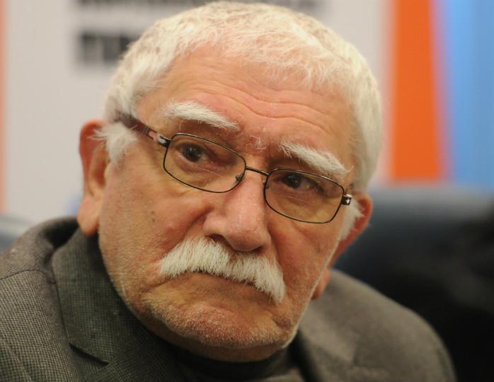 Армен Джигарханян вернулся из затворничества