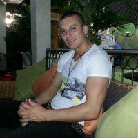Габриэль Альварес избил мать акутистической гитарой