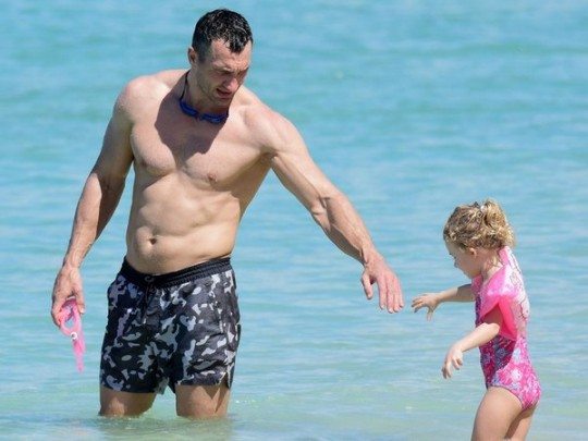 Владимир Кличко отобрал дочь у бывшей жены