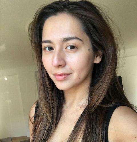 Певица Манижа выпустила музыкальный ролик о социальных проблемах
