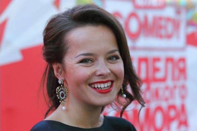 Участница Comedy Woman извинилась за шутку о герое Великой Отечественной Войны