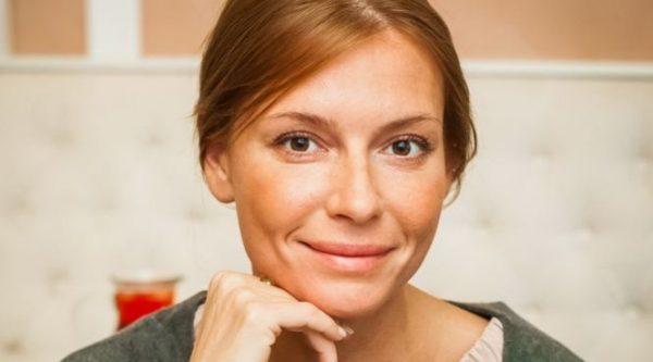 Толкалина завела роман с телеведущим Джоном Уорреном
