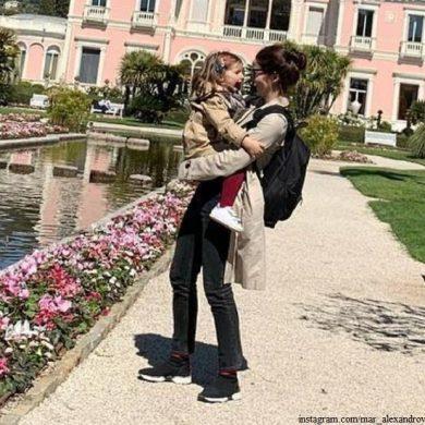Марина Александрова показала апрельскую Францию