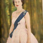 """Елизавете II сегодня 93 года - Ее Величество ест грушу ложкой и заявляет: """"Доживу до того времени, пока сменят Путина"""""""
