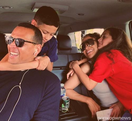 Видео-интервью Дженнифер Лопес своим детям