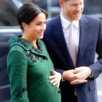 Меган Маркл собирается рожать дома, как Елизавета II