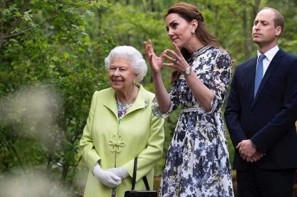 Елизавета II похвалила Кэтрин