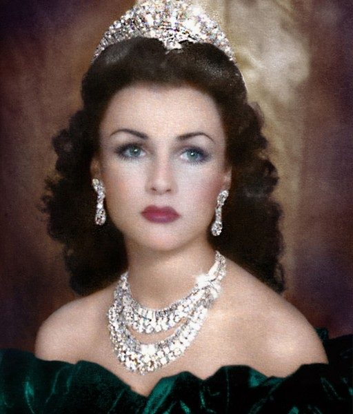 Если б я был султан, я б имел трех жен, и тройной красотой был бы окружен! Последний шах Ирана Мохаммед Реза Пехлеви и три его жены