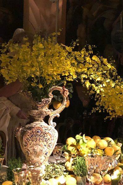 Венецианский бал Dior с пионами, розами и итальянскими блюдами