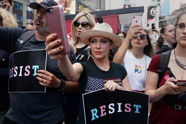 Алисса Милано будет бойкотировать секс, пока не отменят запрет на аборты