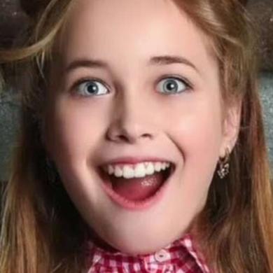 """Кто такая 13-летняя Лена Арутюнова, снявшаяся в клипе Сергея Лазарева для """"Евровидения""""?"""