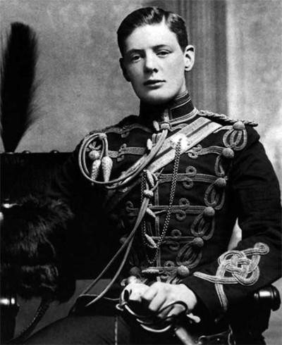 Сэр Уинстон Черчилль - недоношенный ребенок, беглец из плена, премьер-министр - прямой, как гвоздика