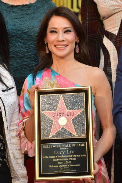 Люси Ли получила звезду на Аллее славы - Все Ангелы Чарли с ней