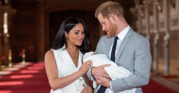 """""""Он очень спокойный ребенок"""" - Меган Маркл и принц Гарри показали сына"""