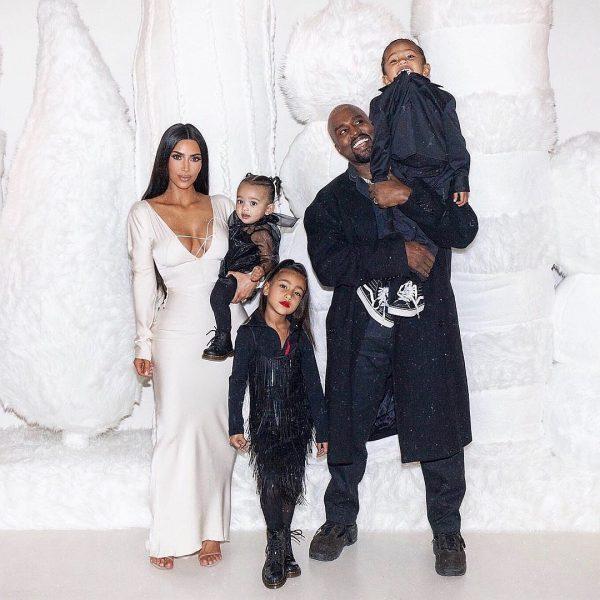 У Ким и Канье родился 4-ый ребенок. Это сын!