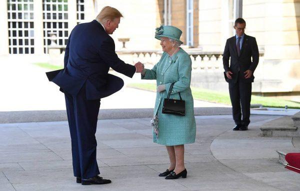 """Достали - Трамп всех-всех членов королевской семьи назвал """"милыми"""" - отстаньте только!"""