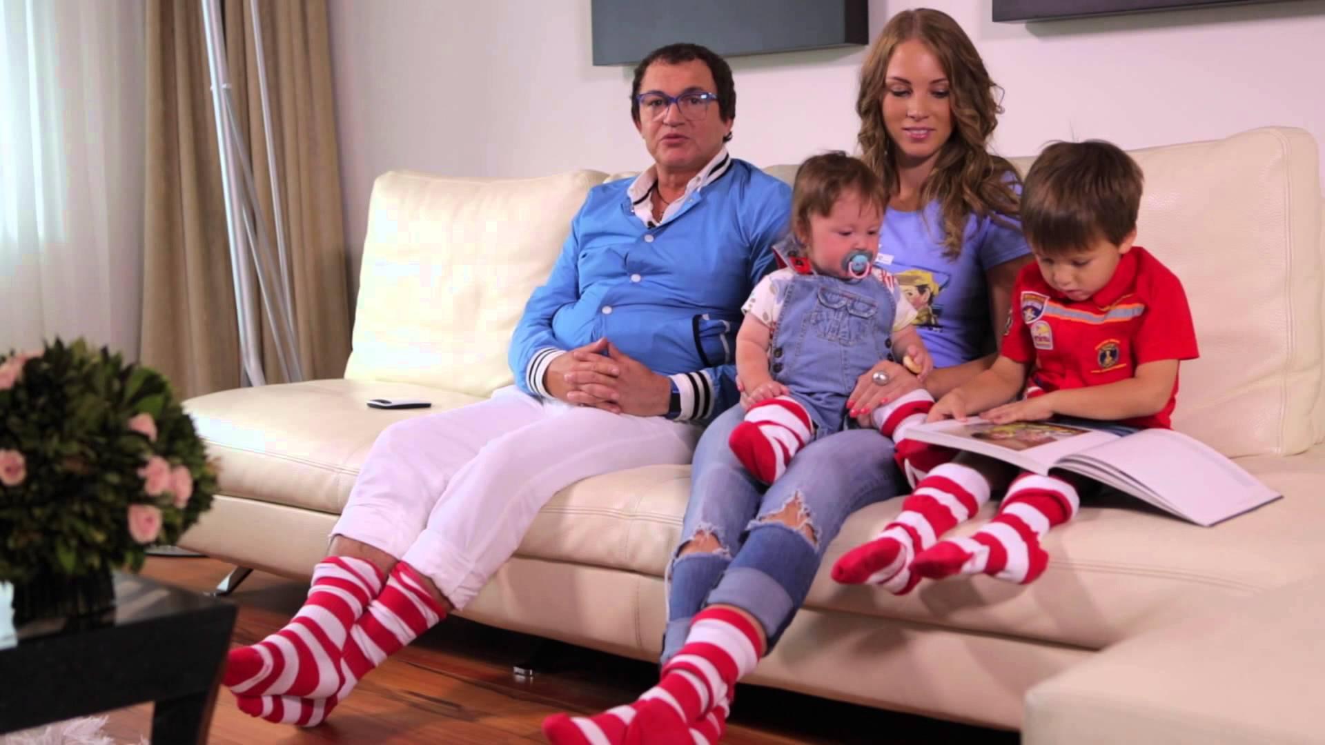 Дмитрий дибров с детьми фото