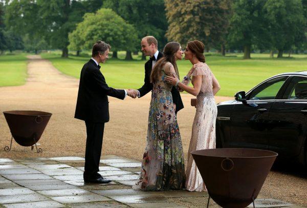 Кейт Мидлтон встретилась с Роуз Ханбери за ужином, но не стала устраивать сцен