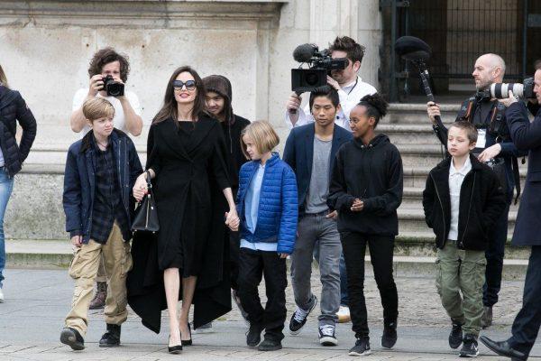 Анджелина Джоли потеряла сознание, затем сбежала из больницы