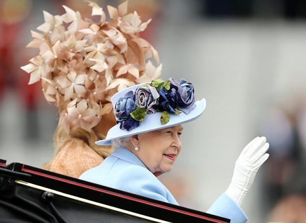 А вот и английские скачки - королева, Кэтрин, Камилла и другие на Аскоте