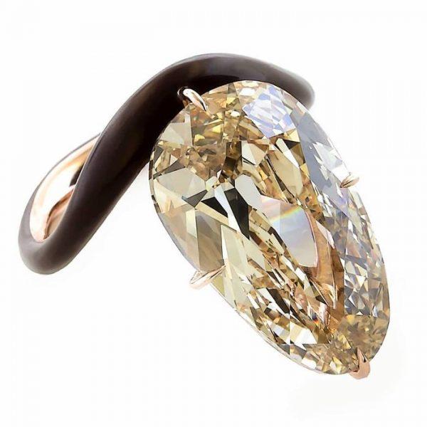 Скарлетт Йоханссон с помолвочным кольцом за 400 тысяч долларов