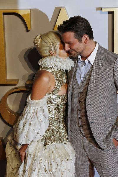 """Мнение блогера: """"Если у такой роскошной бабы, как Шейк, носатая Гага смогла запросто увести мужика.."""""""