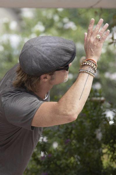 Брэд Питт дополнил татуировку в честь Анджелины Джоли